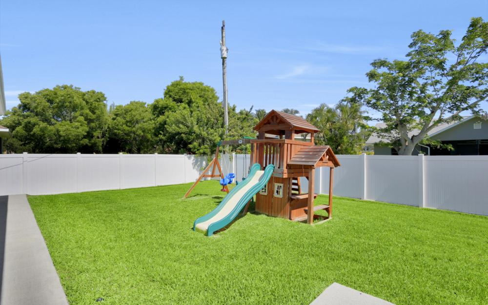 621 SW 11th St, Cape Coral - Home For Sale 582579495