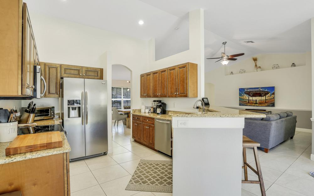 621 SW 11th St, Cape Coral - Home For Sale 184818948
