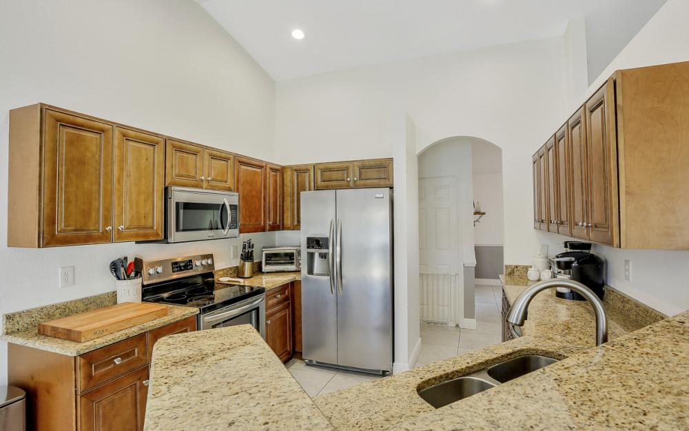 621 SW 11th St, Cape Coral - Home For Sale 425839311