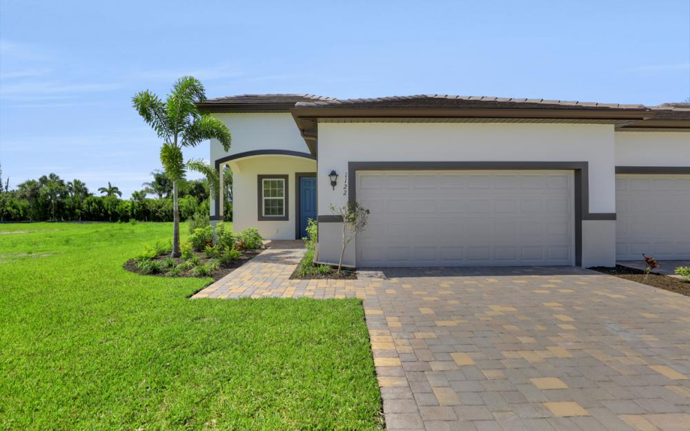 1122 South Town and River Dr, Fort Myers - Home For Sale 709845189