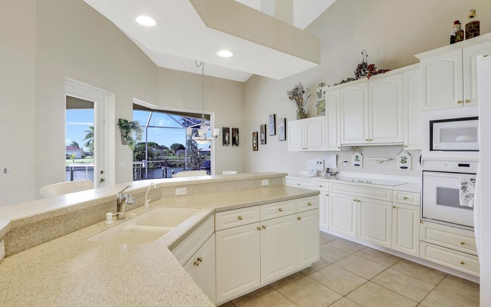 2615 SW 41st St, Cape Coral - Home For Sale 1791021484