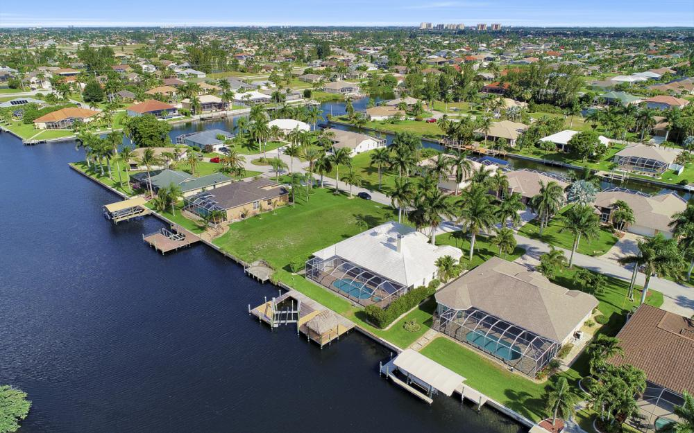 2615 SW 41st St, Cape Coral - Home For Sale 301051434