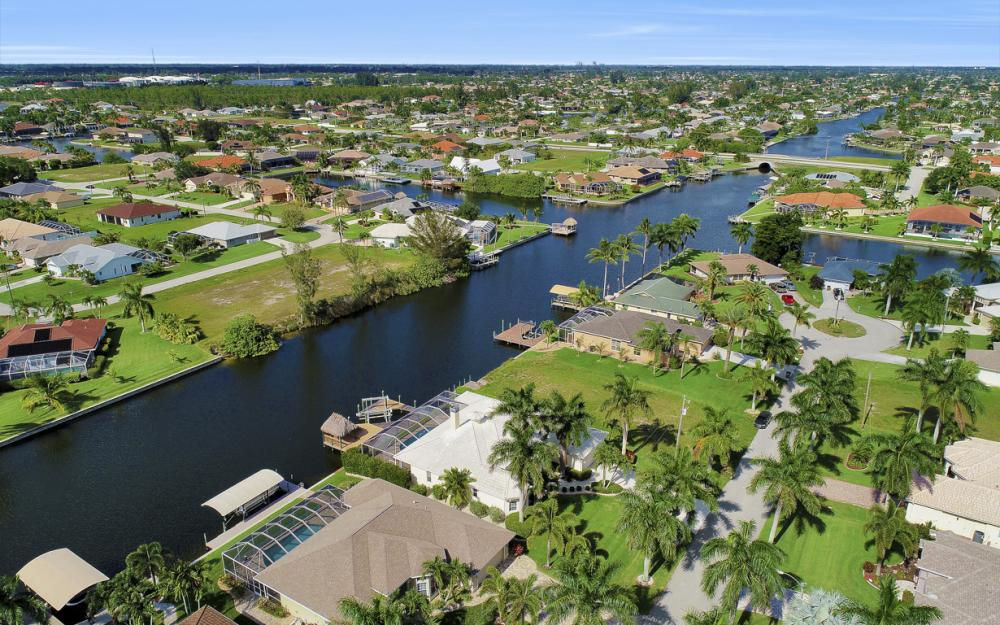 2615 SW 41st St, Cape Coral - Home For Sale 1895187038