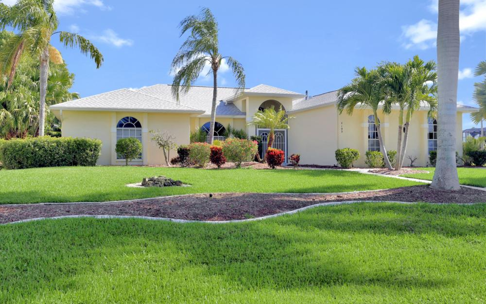 2103 SW 52nd Ln, Cape Coral - Vacation Rental 1967158662
