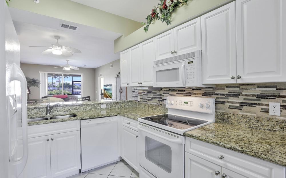 16675 Lake Cir Dr #914, Fort Myers - Condo For Sale 1181833695