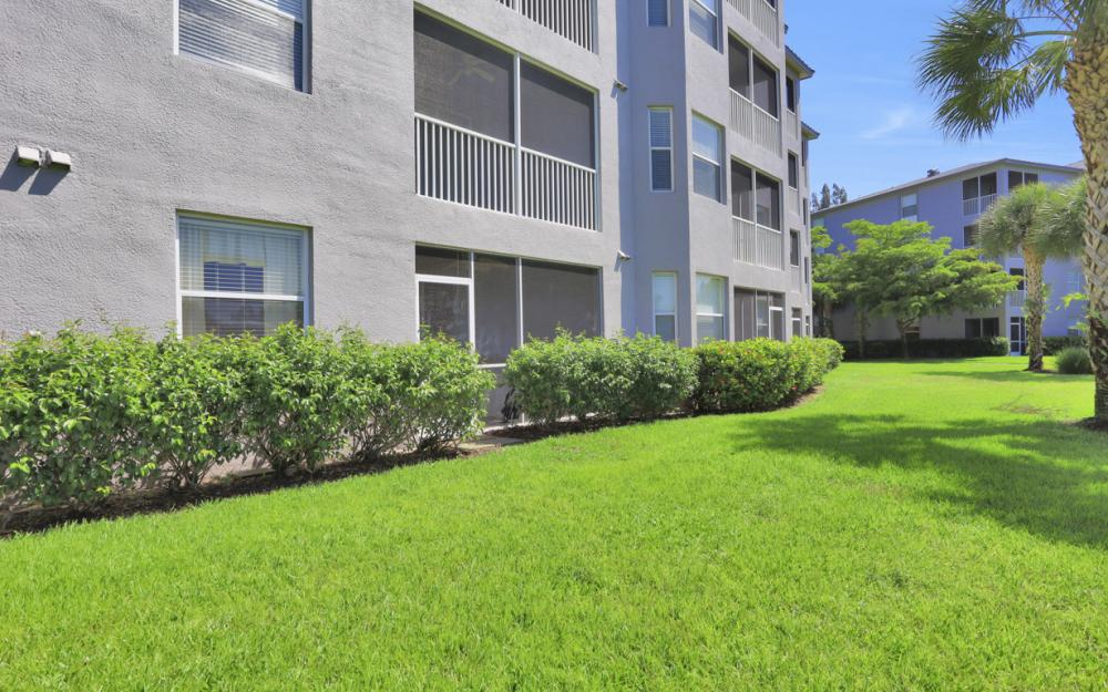 16675 Lake Cir Dr #914, Fort Myers - Condo For Sale 148910910