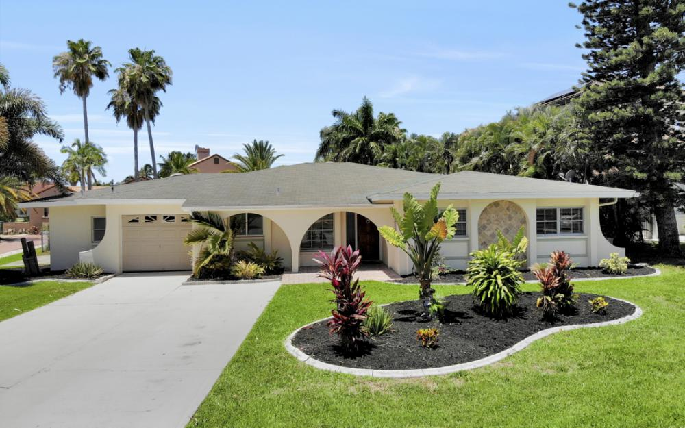 4948 Normandy Ct, Cape Coral - Home For Sale 1997924380