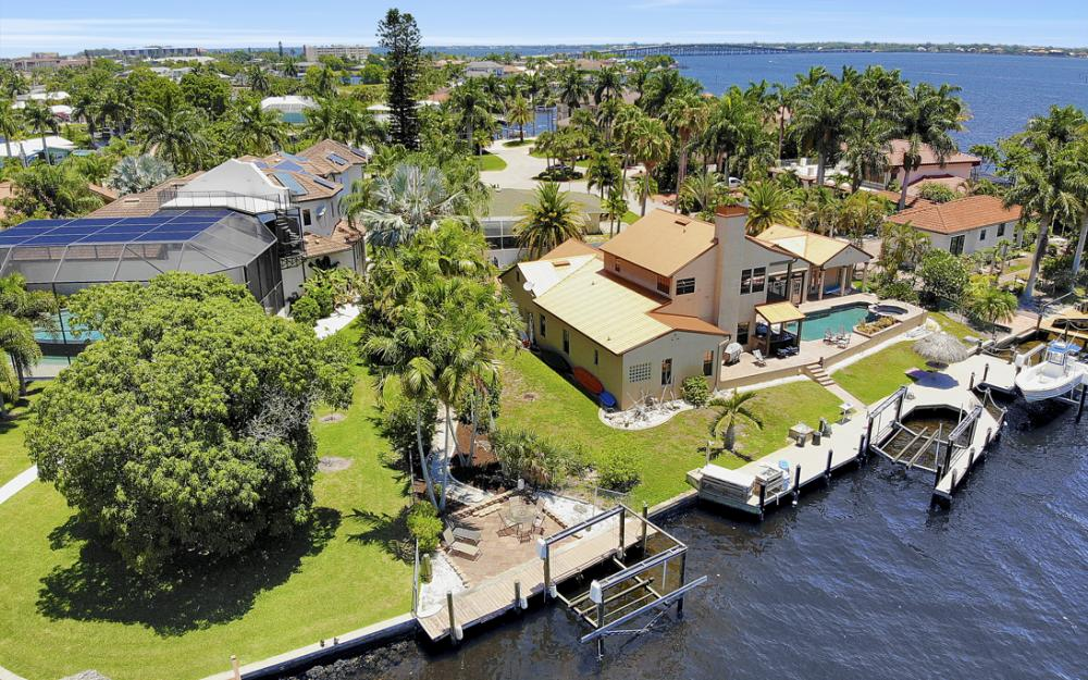 4948 Normandy Ct, Cape Coral - Home For Sale 2078529066