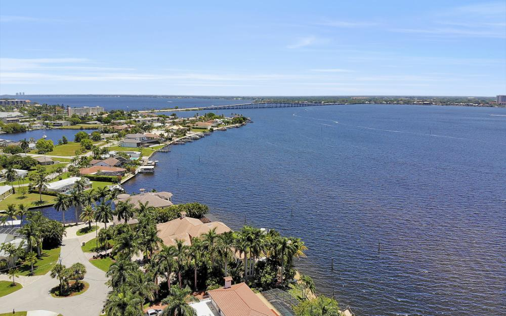 4948 Normandy Ct, Cape Coral - Home For Sale 638918334