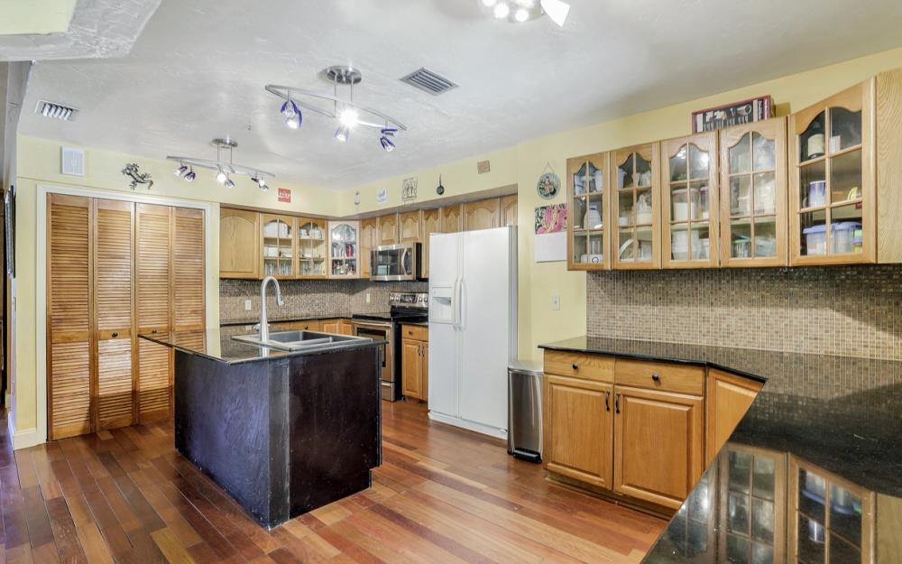 25608 Stillwell Pkwy, Bonita Springs - Home For Sale 1303537656