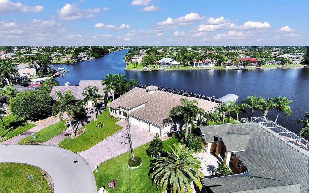 2319 SW 45th Ter, Cape Coral - House For Sale 1010464793