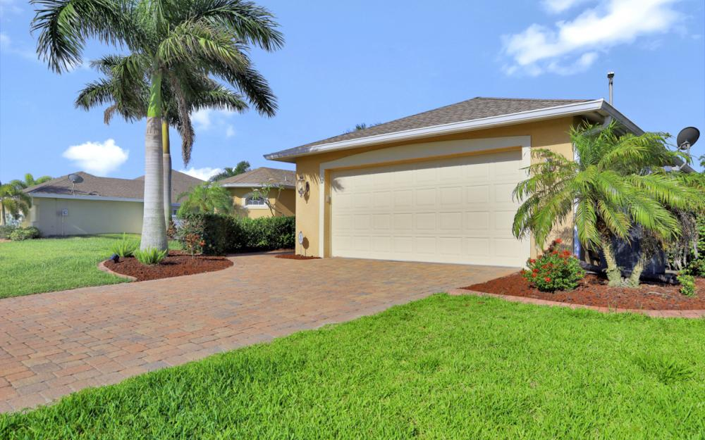 12 NW 38th Ave, Cape Coral - Home For Sale 2020988193