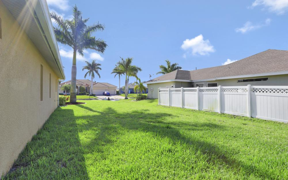 12 NW 38th Ave, Cape Coral - Home For Sale 501596362