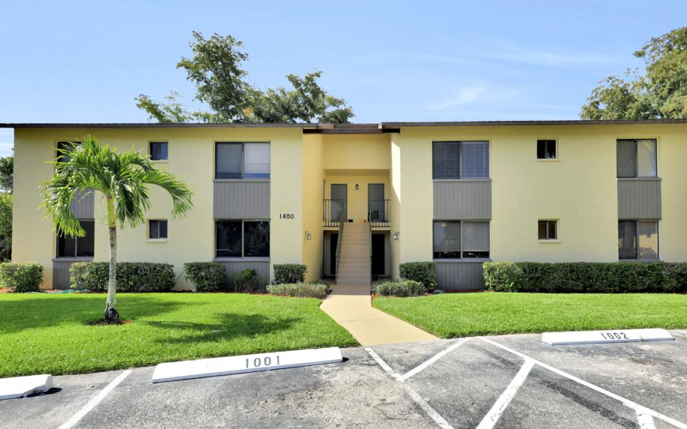 1400 Green Valley Cir #1002, Naples - Condo For Sale 61349812