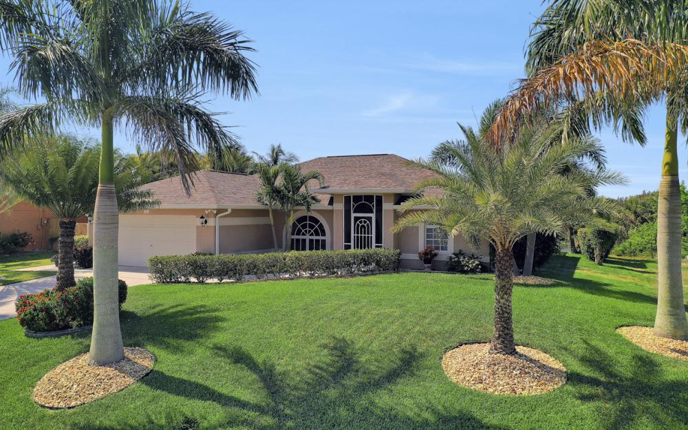 2426 NW 15th St, Cape Coral - Home For Sale 2052803310