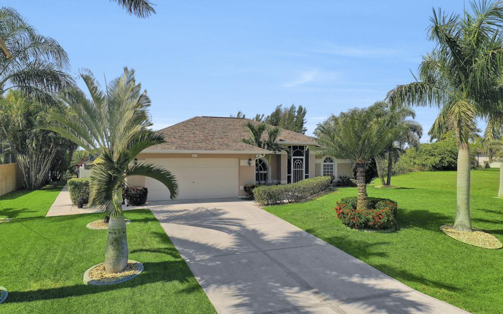 2426 NW 15th St, Cape Coral - Home For Sale 1221904881