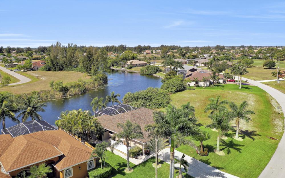 2426 NW 15th St, Cape Coral - Home For Sale 609701451
