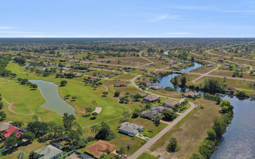 2426 NW 15th St, Cape Coral - Home For Sale 334837670
