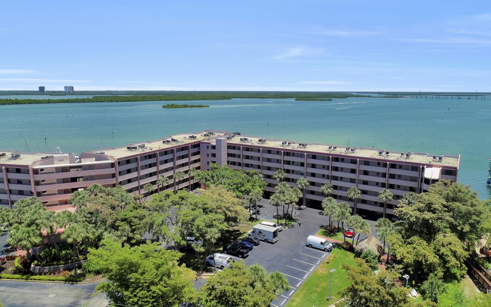 1085 Bald Eagle Dr B508, Marco Island - Vacation Rental6644 2008613237