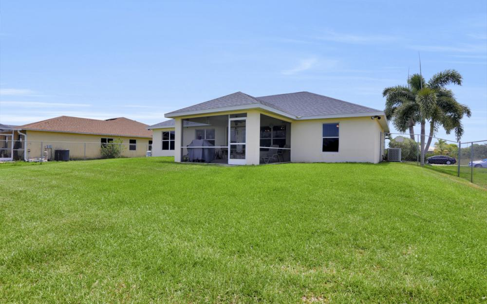 1005 NW 34th Ave, Cape Coral -Home For Sale 101540376