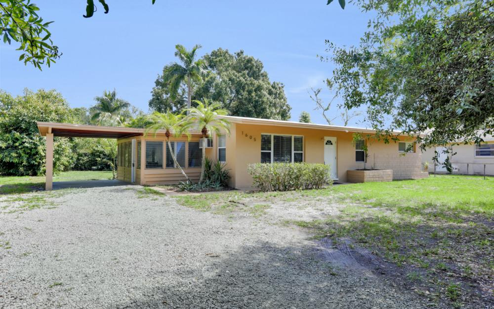 1605 Coronado Rd, Fort Myers - Home For Sale 1763836277