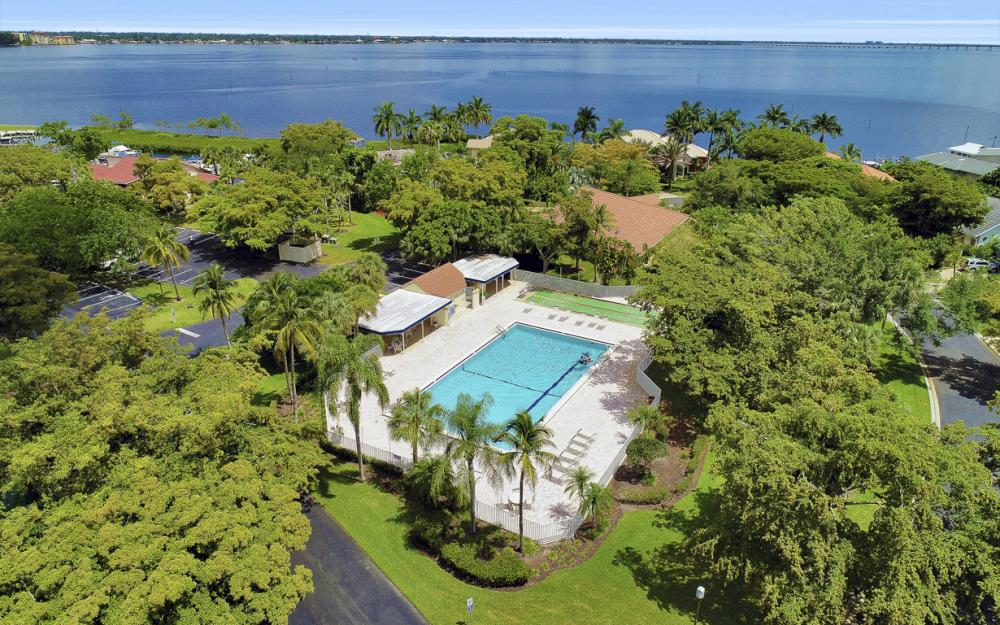 9851 Mainsail Ct, Fort Myers - Home For Sale 1926155751