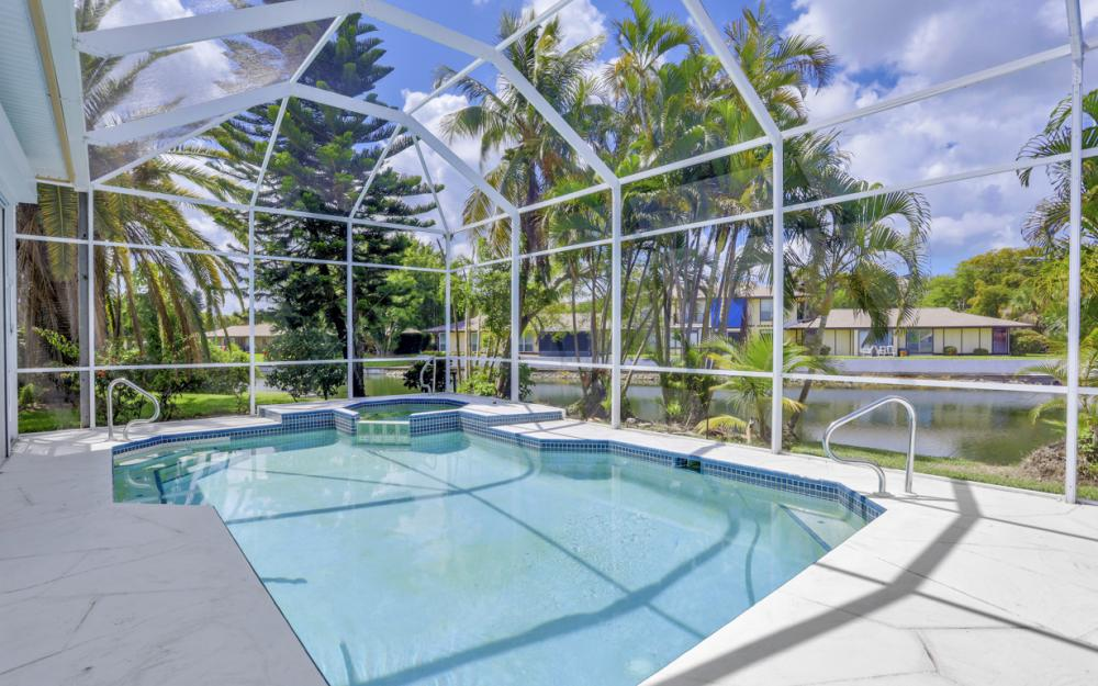 9851 Mainsail Ct, Fort Myers - Home For Sale 2140415010