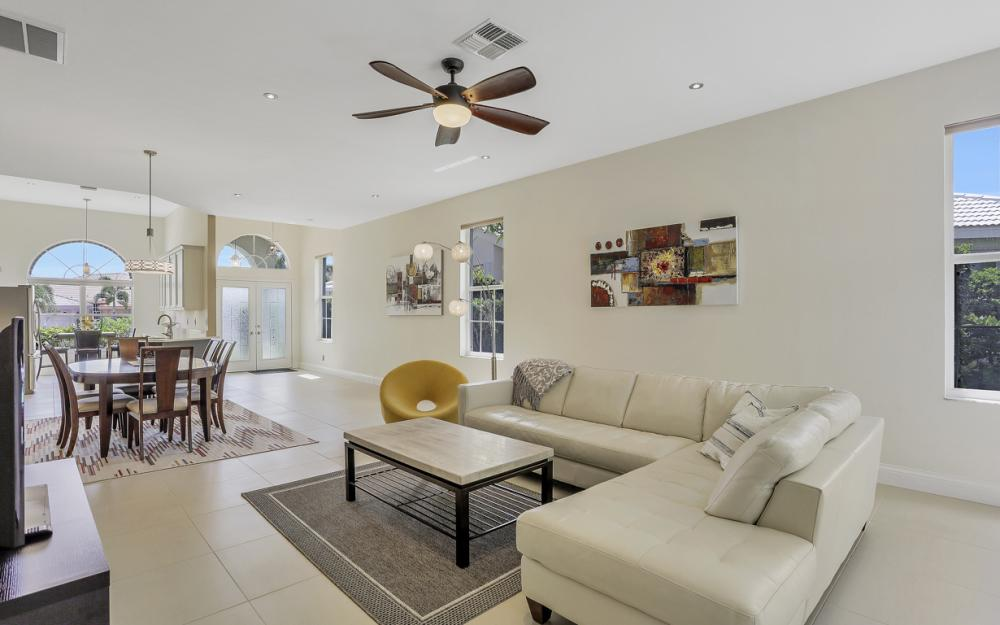9851 Mainsail Ct, Fort Myers - Home For Sale 923542473