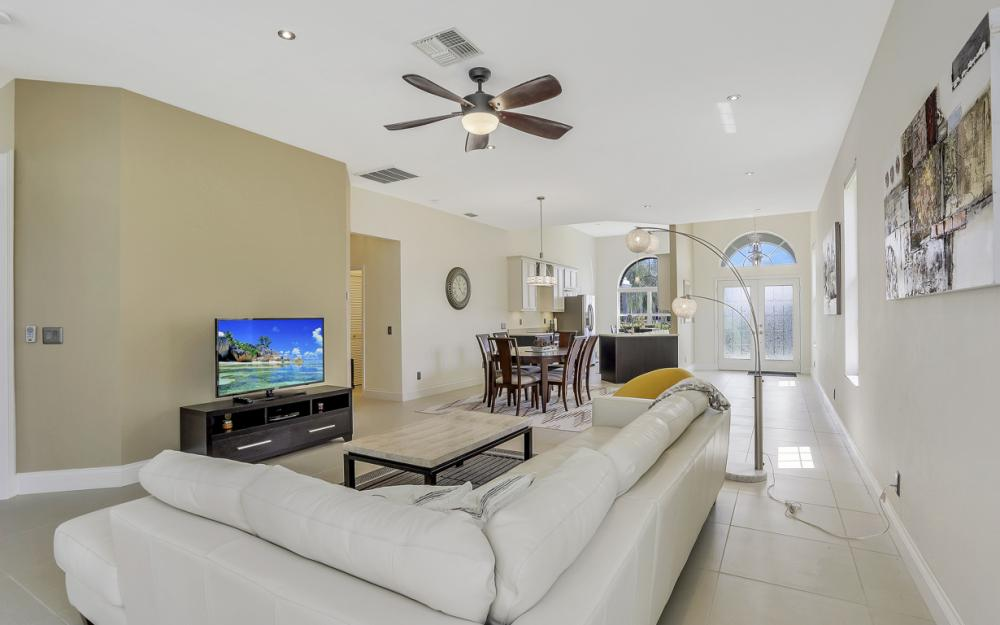 9851 Mainsail Ct, Fort Myers - Home For Sale 615454353