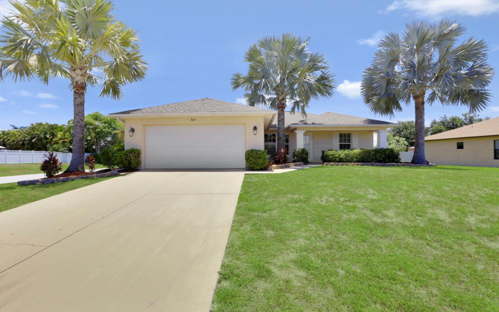 305 SE 2nd Ave, Cape Coral - Home For Sale 1756345985