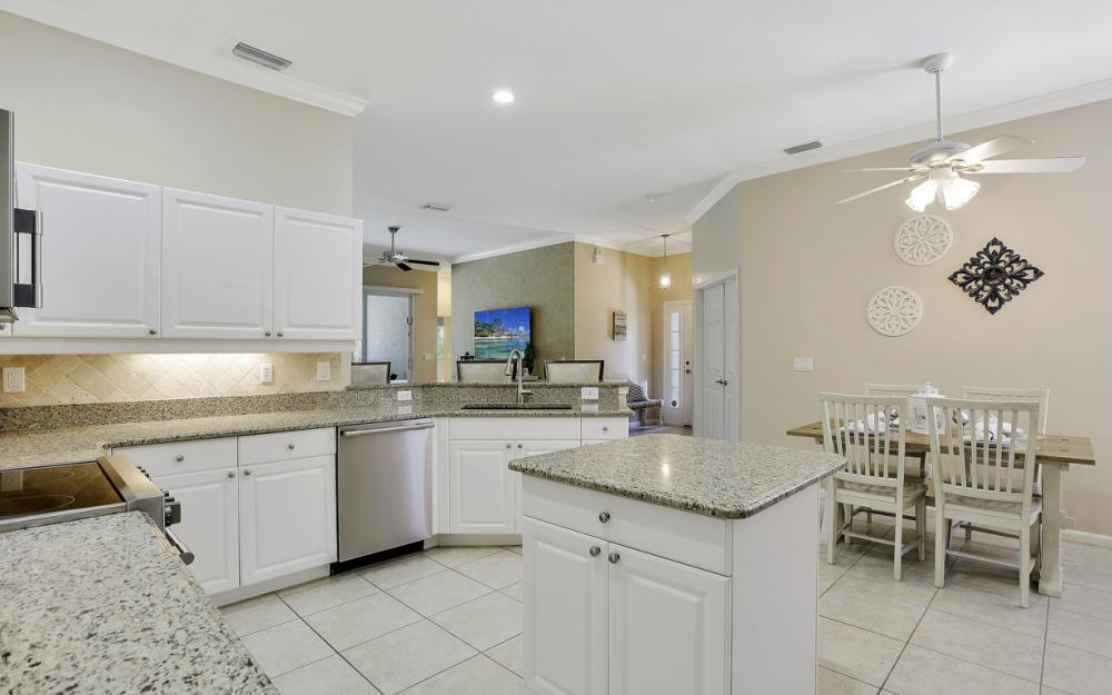 6799 Old Banyan Way, Naples - Home For Sale 1894458782