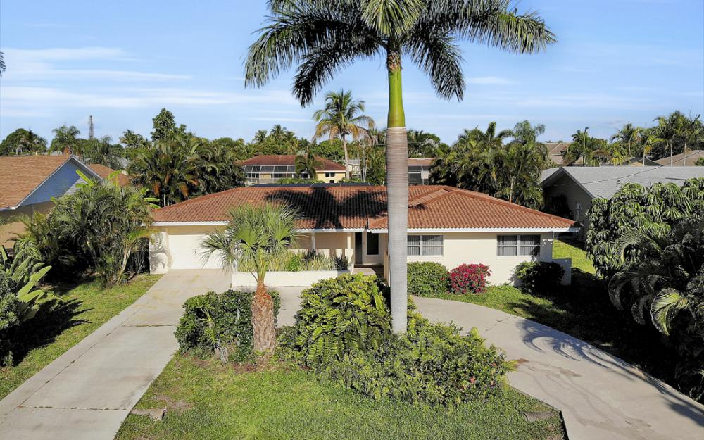 5350 Colony Ct, Cape Coral - Home For Sale 320546254