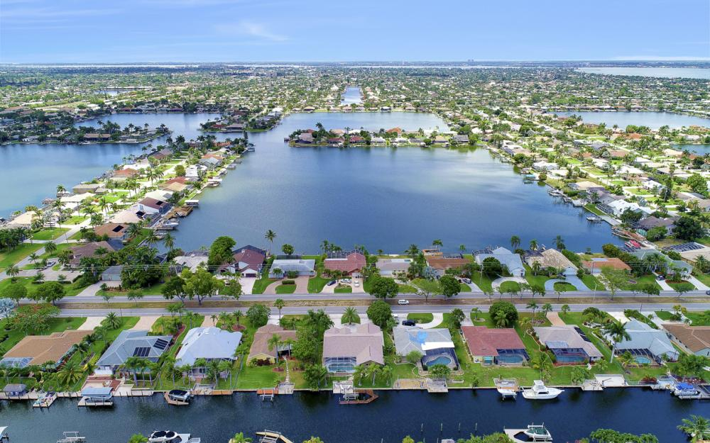 5012 Skyline Blvd, Cape Coral - Home For Sale 1823976484