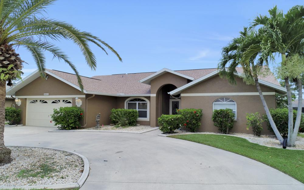 5012 Skyline Blvd, Cape Coral - Home For Sale 91443780