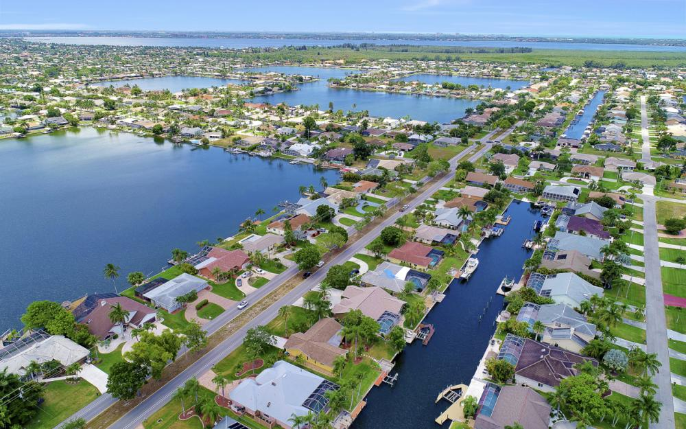 5012 Skyline Blvd, Cape Coral - Home For Sale 609705740