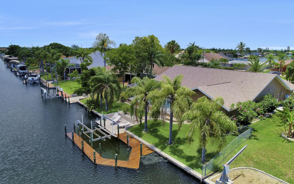 5012 Skyline Blvd, Cape Coral - Home For Sale 110312084