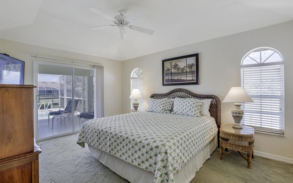 772 Saturn Ct, Marco Island - Vacation Rental  424531220