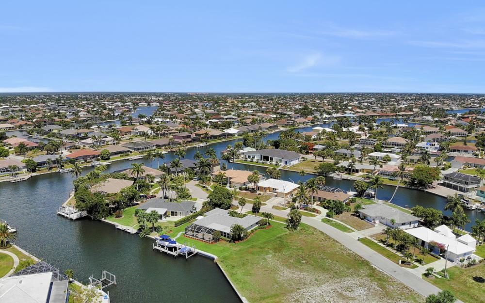 772 Saturn Ct, Marco Island - Vacation Rental  675290346