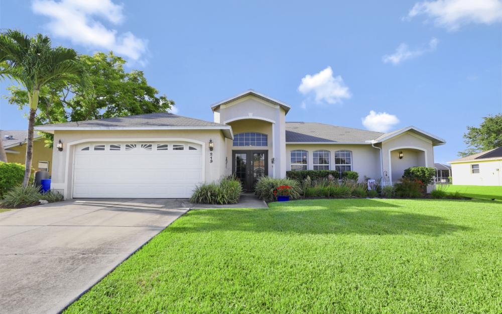219 SW 42nd St Cape Coral - Home For Sale 297564255