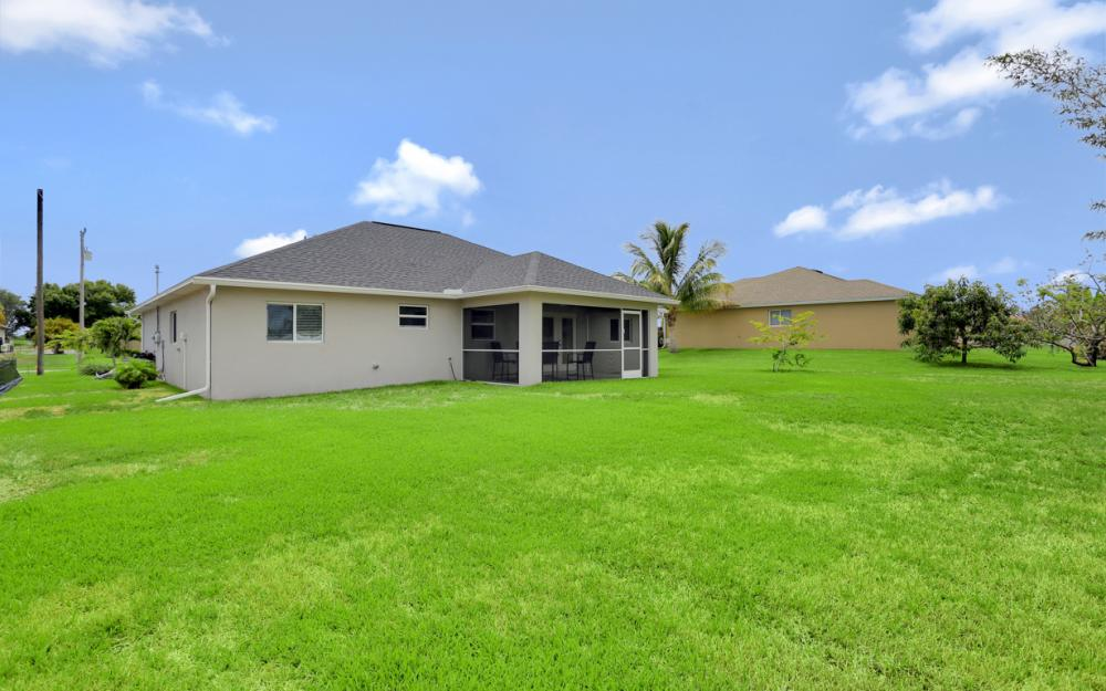 1317 SW 22nd Pl, Cape Coral - Home For Sale 1682248470