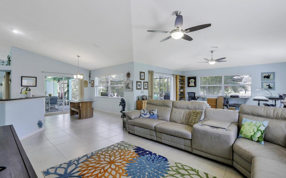 3715 NW 1st Ter Cape Coral - Home For Sale 1828509597