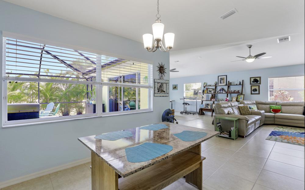 3715 NW 1st Ter Cape Coral - Home For Sale 194994438
