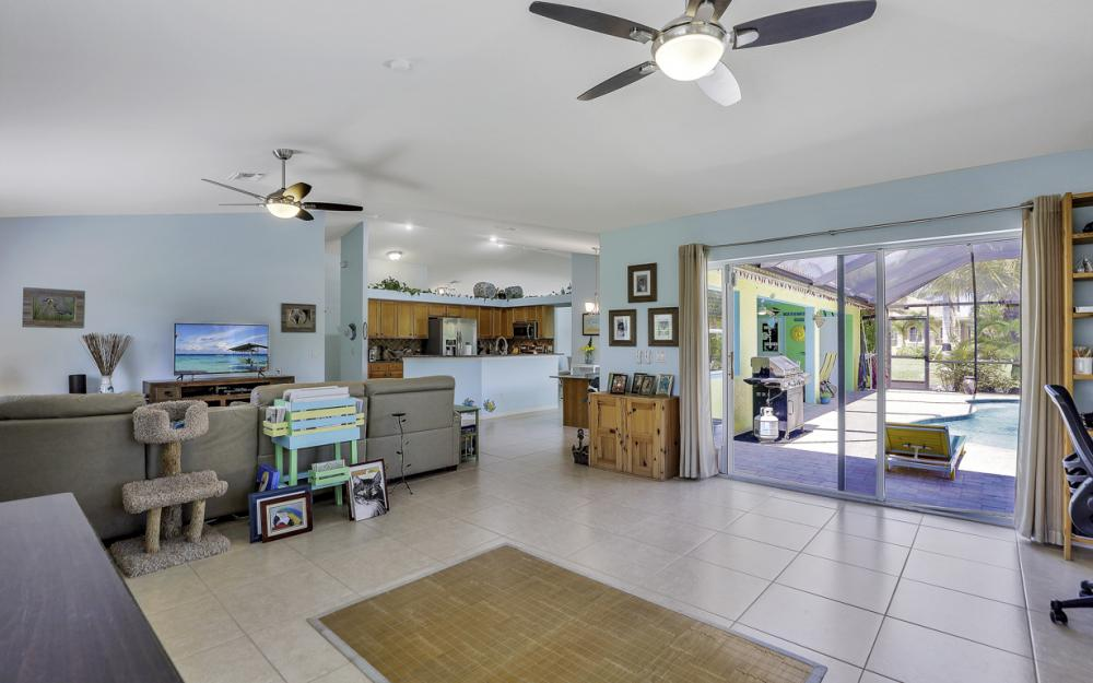 3715 NW 1st Ter Cape Coral - Home For Sale 1028535879