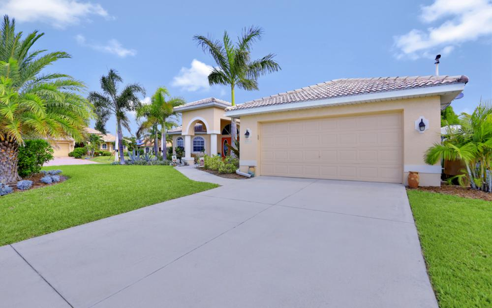 3715 NW 1st Ter Cape Coral - Home For Sale 577994029