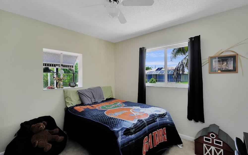 211 SW 40 St, Cape Coral - House For Sale 625695148