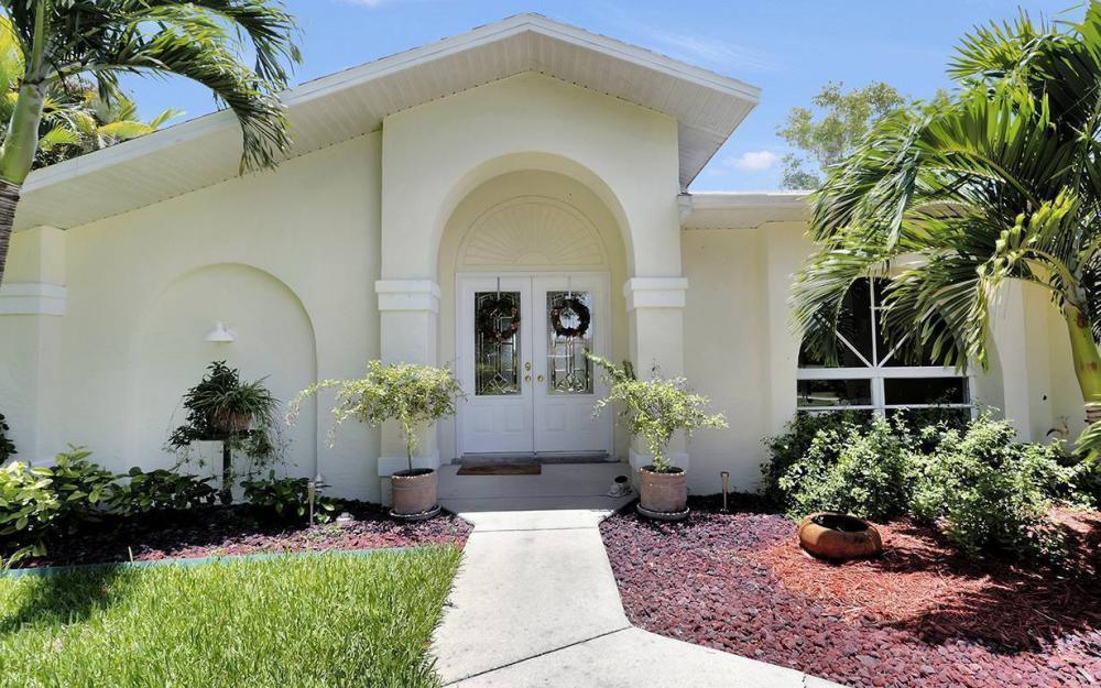 211 SW 40 St, Cape Coral - House For Sale 320189687