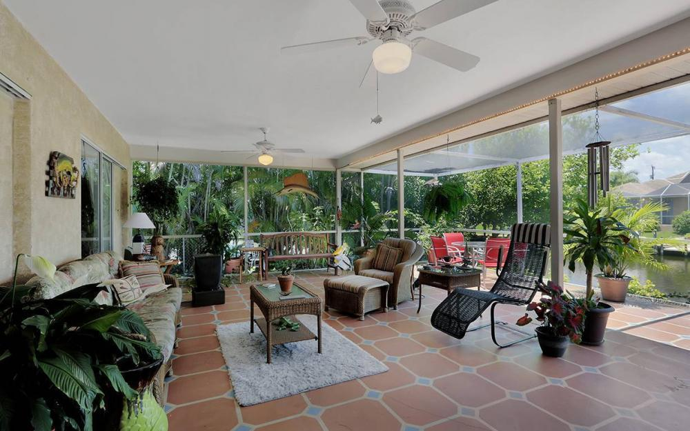 211 SW 40 St, Cape Coral - House For Sale 874831552