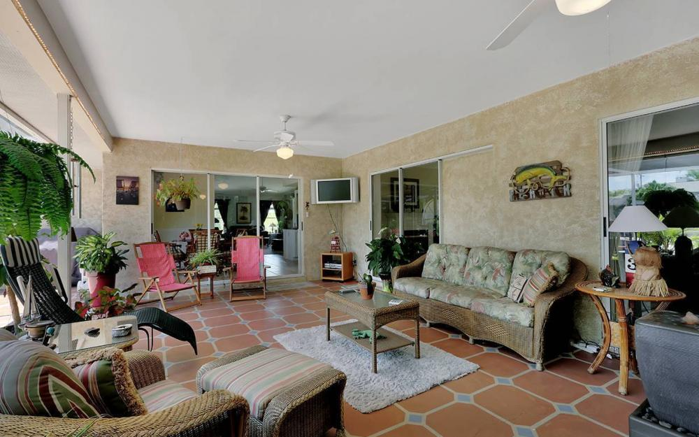 211 SW 40 St, Cape Coral - House For Sale 710149837