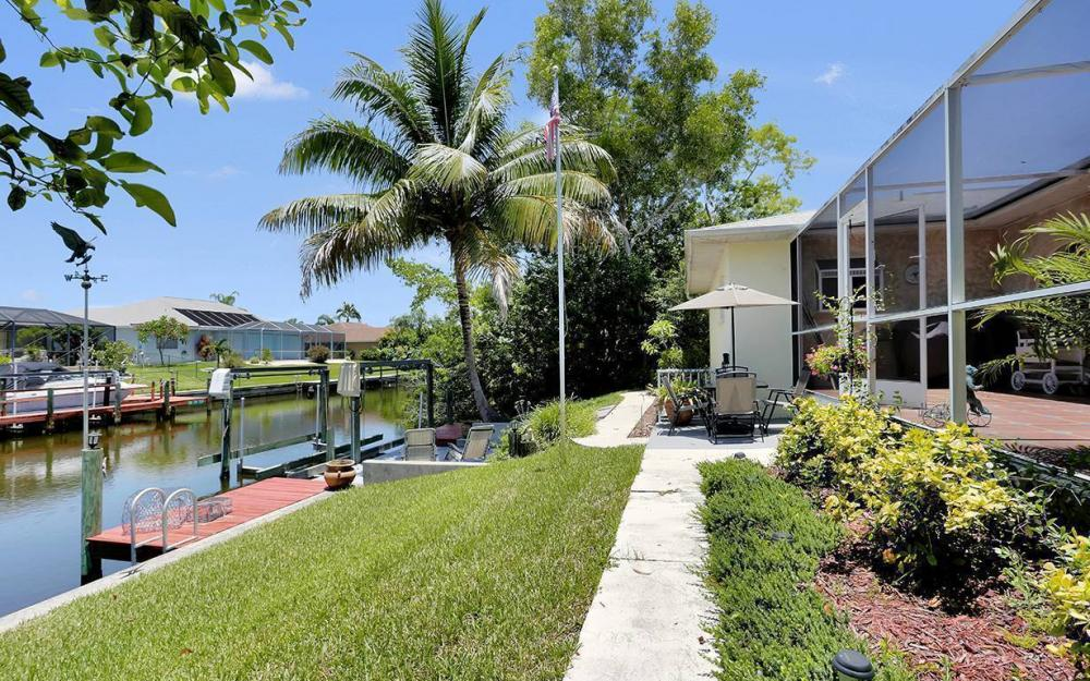 211 SW 40 St, Cape Coral - House For Sale 2061037822