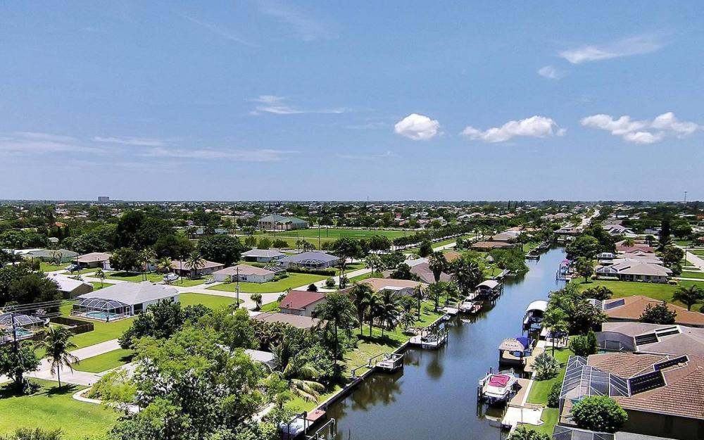 211 SW 40 St, Cape Coral - House For Sale 411912026